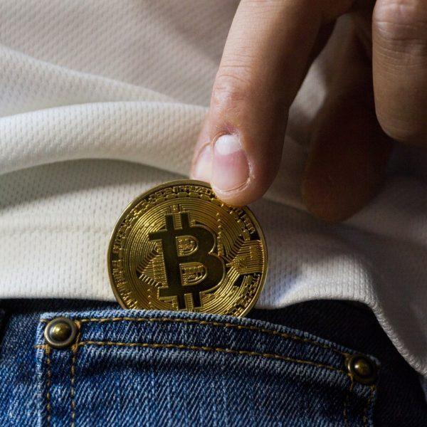 Vorsicht vor Geldwäsche mit Kryptowährungen - Rechtsanwalt Kaufmann hilft