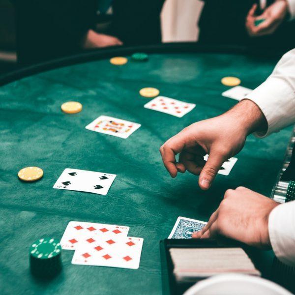 Illegale Online Casinos: Geld von der Hausbank zurückfordern - Rechtsanwalt Kaufmann
